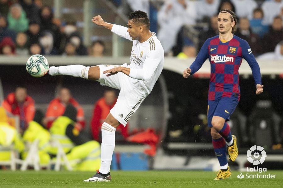 صور مباراة : ريال مدريد - برشلونة 2-0 ( 01-03-2020 )  E6d17dfbbf851fb74cdfdf61728ed187
