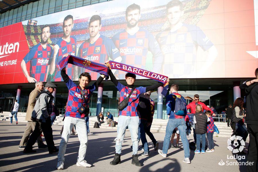 صور مباراة : برشلونة - ريال سوسيداد 1-0 ( 07-03-2020 )  155f750c499d40a4e6e4c33460c7d1c2